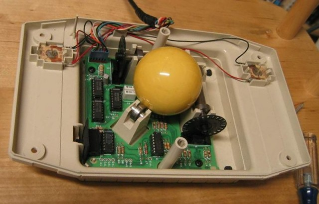 Adaptation trackball pour SegaSonic